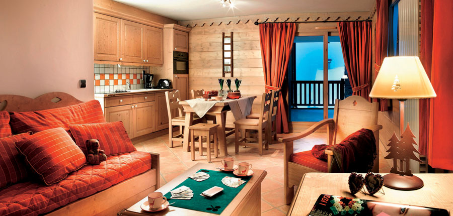 france_paradiski-ski-area_la-plagne_les_grange_du_soleil_apartments_livingroom.jpg